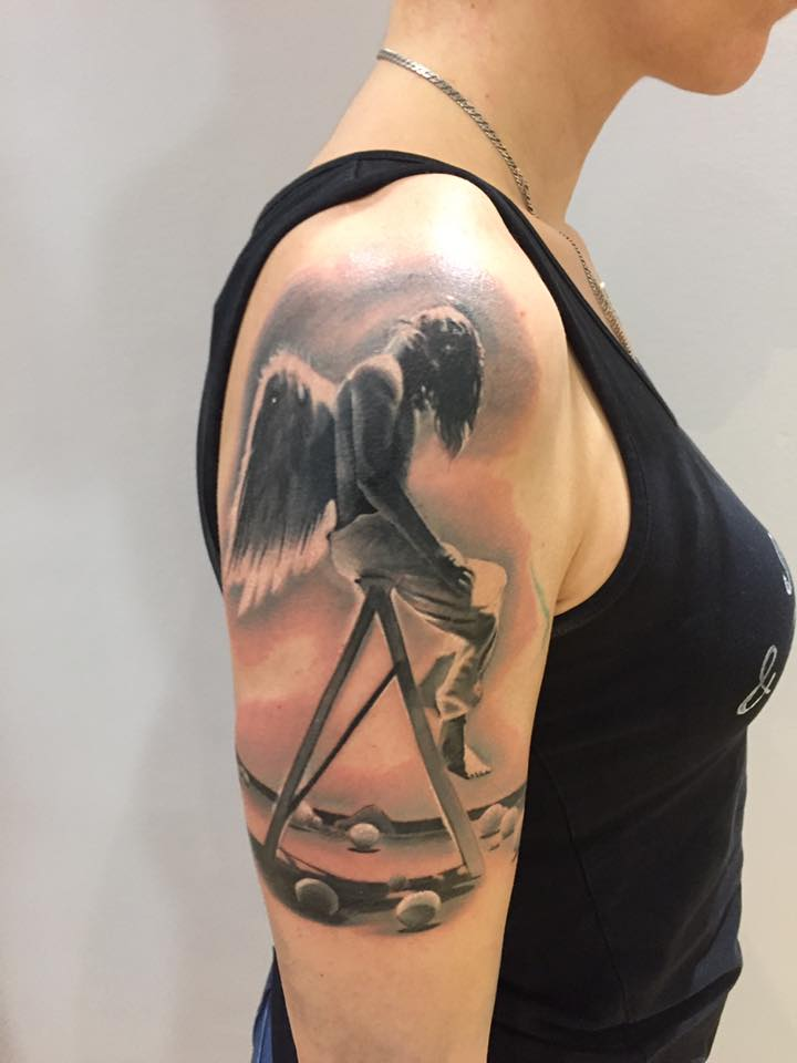 tattoo angel engel angeltattoo inked intenzeink eternalink silverbackink cheyennetattooequipment münchen minga munich augsburg ingolstadt regensburg blackandgreytattoo armtattoo drawing painting art tattooartist tattooanansi