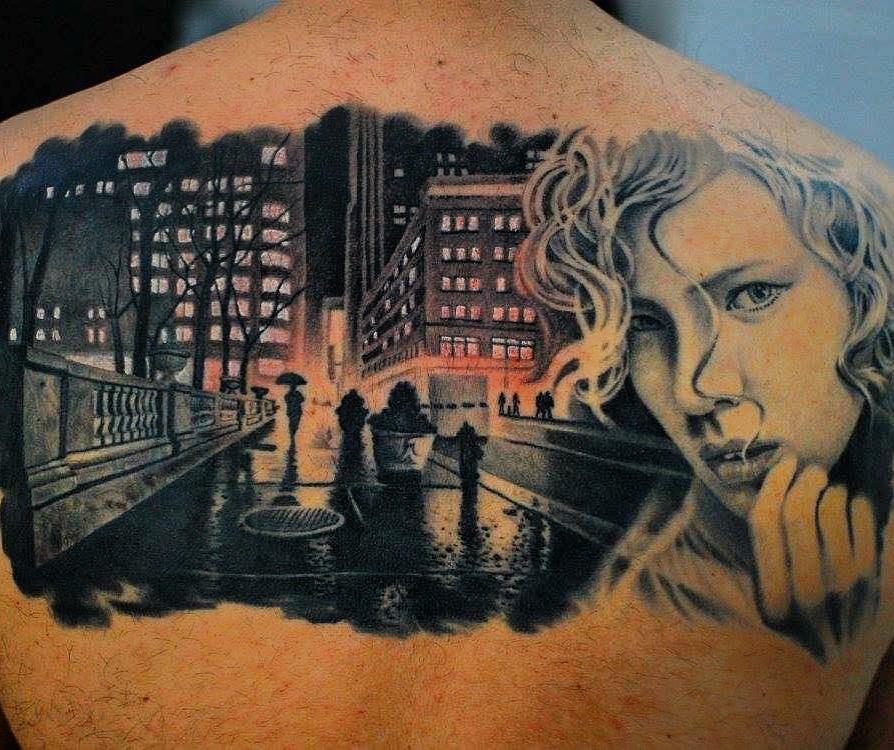 woman girl stadt city urban tattoo marci tattoo anansi münchen munich shop store toll klasse big biggest