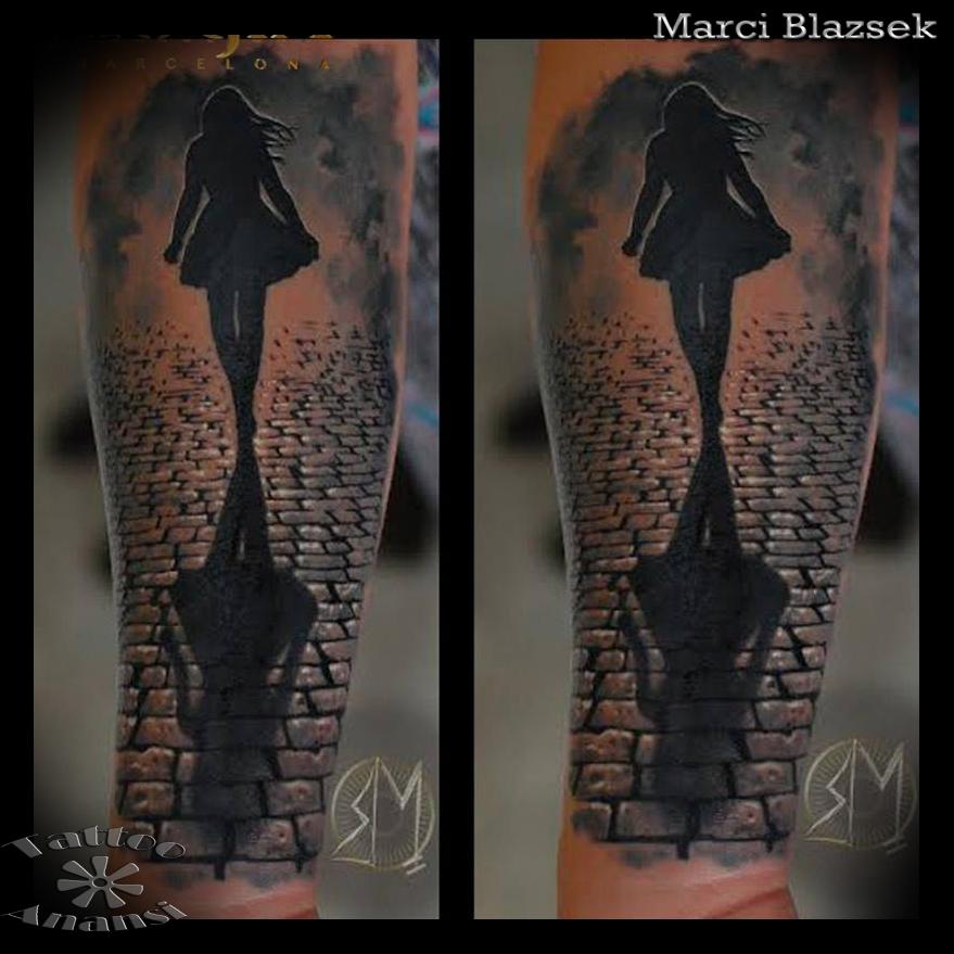 street woman romantic street tattoo munich münchen tätowierer best beste bestes bester  marci