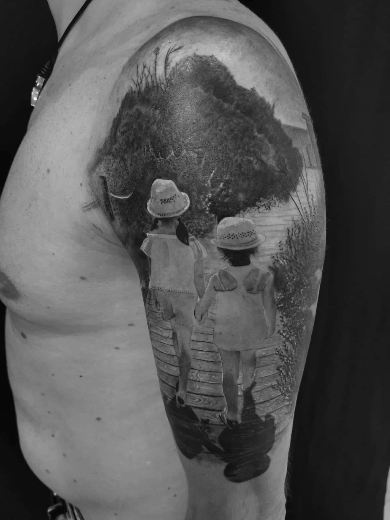 ritchey tattoo studio münchen anansi best realismus kinder familie tätowierung künstler tätowierer schwarz black