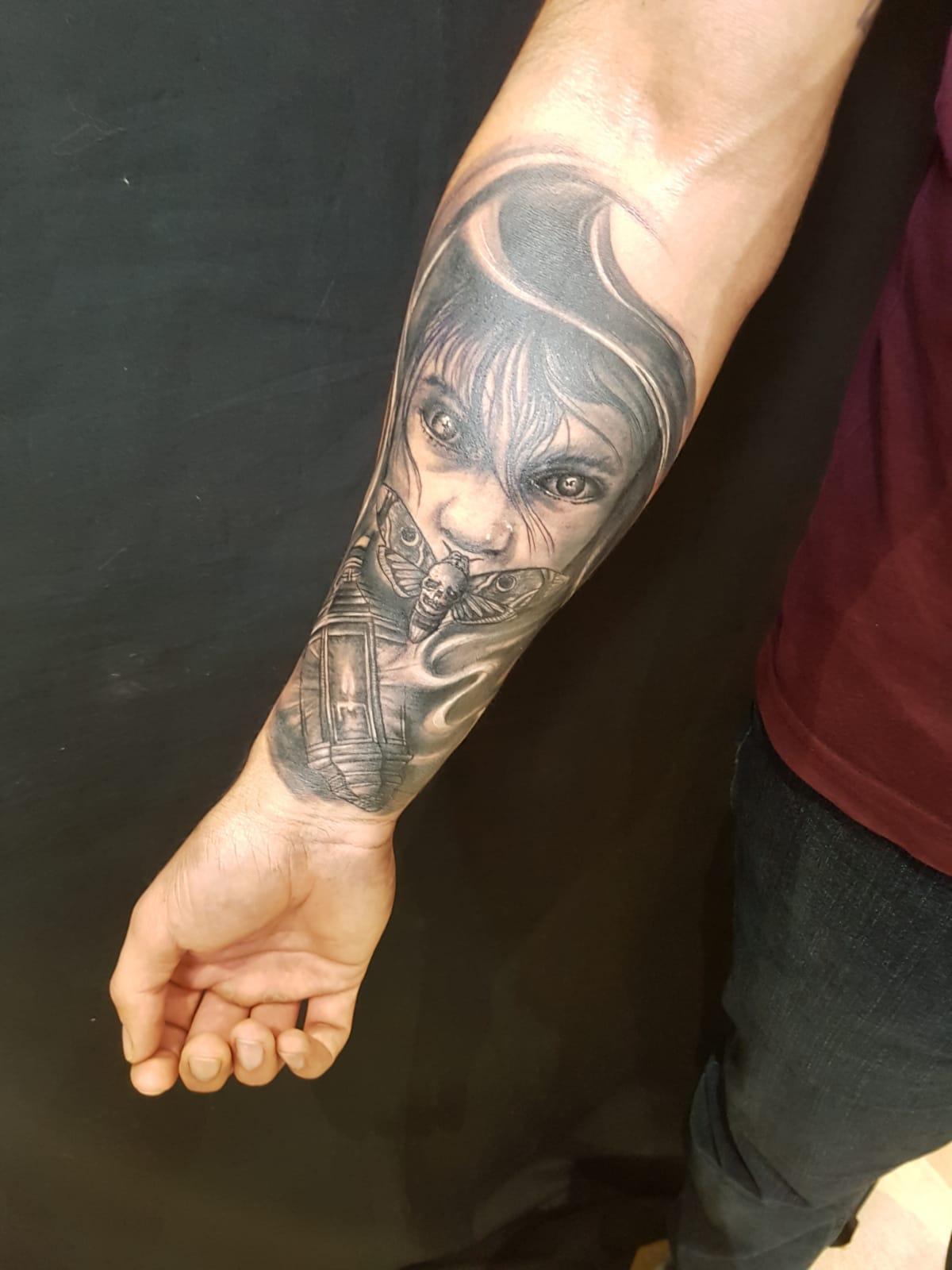 tattoo anansi münchen studio schweigen der lämmer laszlo