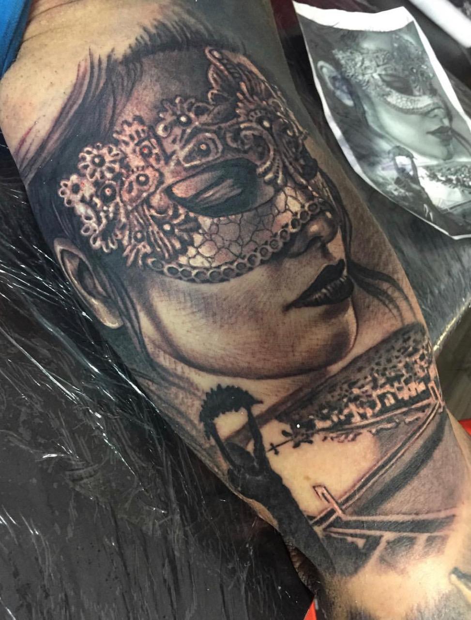 tattoo studio anansi münchen munich minga venice venezia theme Marci realistums artist tätowierer best