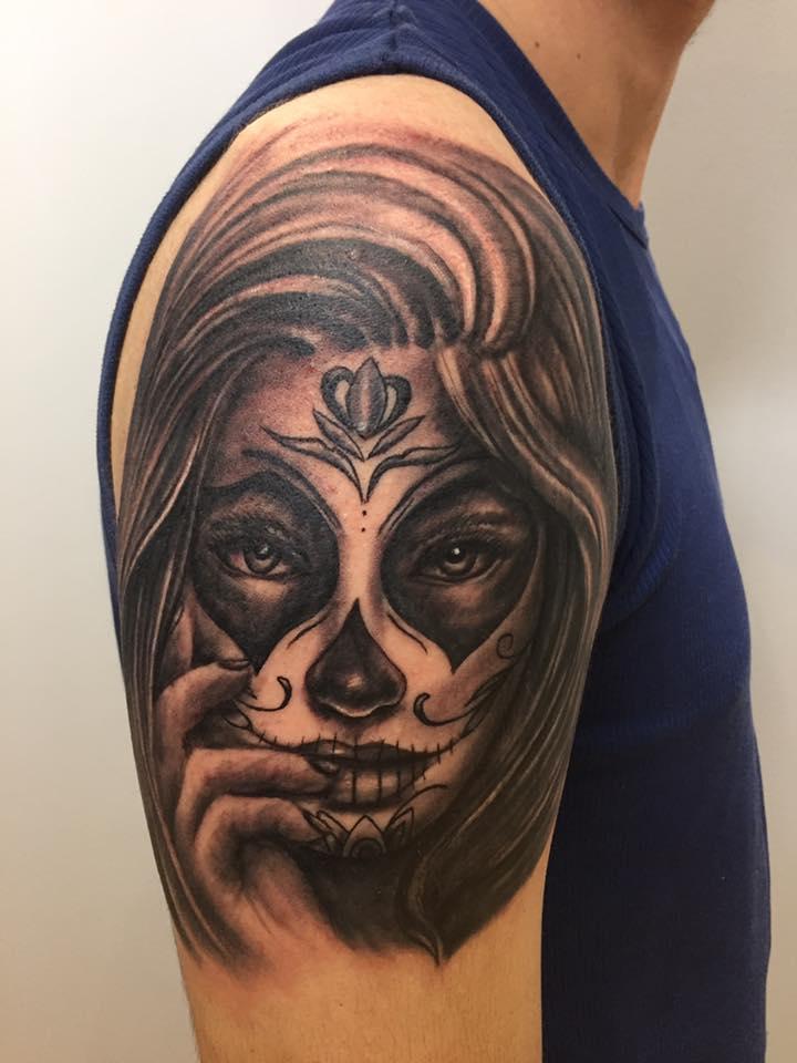 tattoo studio münchen munich anansi tätowierer laszlo art lacatrina chicano mexico artist