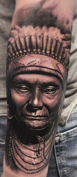 Tattoo Studio Anansi München Otto best bestes realismus black and grey portrait gesicht indianer