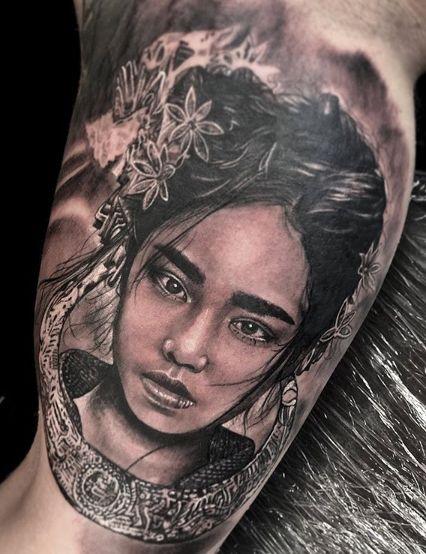 Tattoo Studio Anansi München Otto best bestes realismus blackwork portrait frau woman