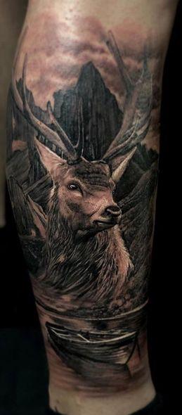 Tattoo Studio Anansi München Otto best bestes realismus blackwork portrait hirsch