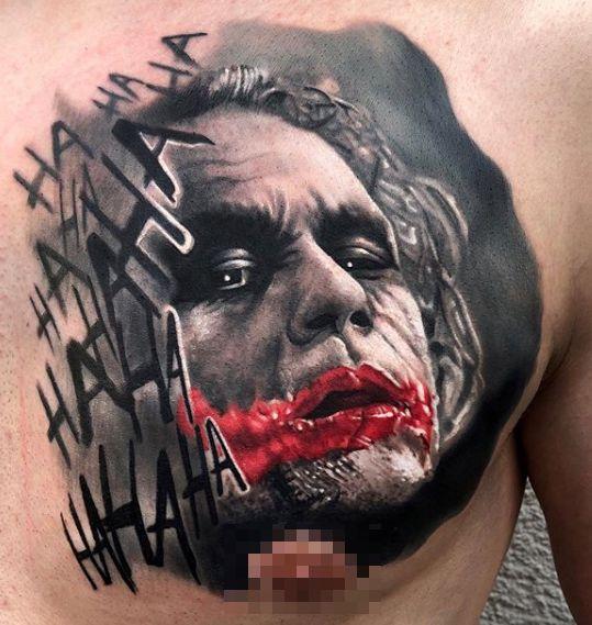 Tattoo Studio Anansi München Otto best bestes realismus portrait joker batman