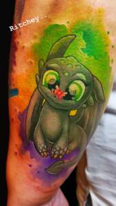 ritchy toothless tattoo anansi münchen comic farb color tattoo artist ritchey