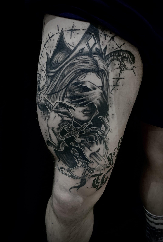 Tattoo Anansi München Artist David blackwork portrait woman Frau witch hexe queen demon