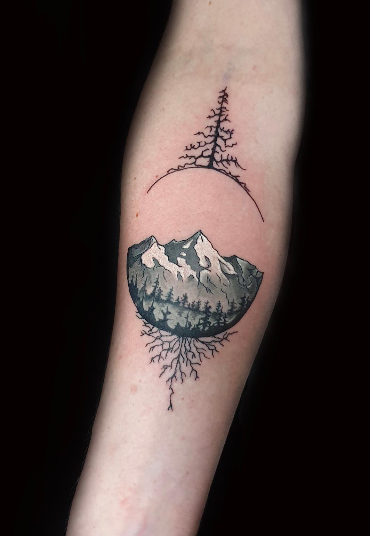 Tattoo Studio München ANANSI Melinda Berg Gray
