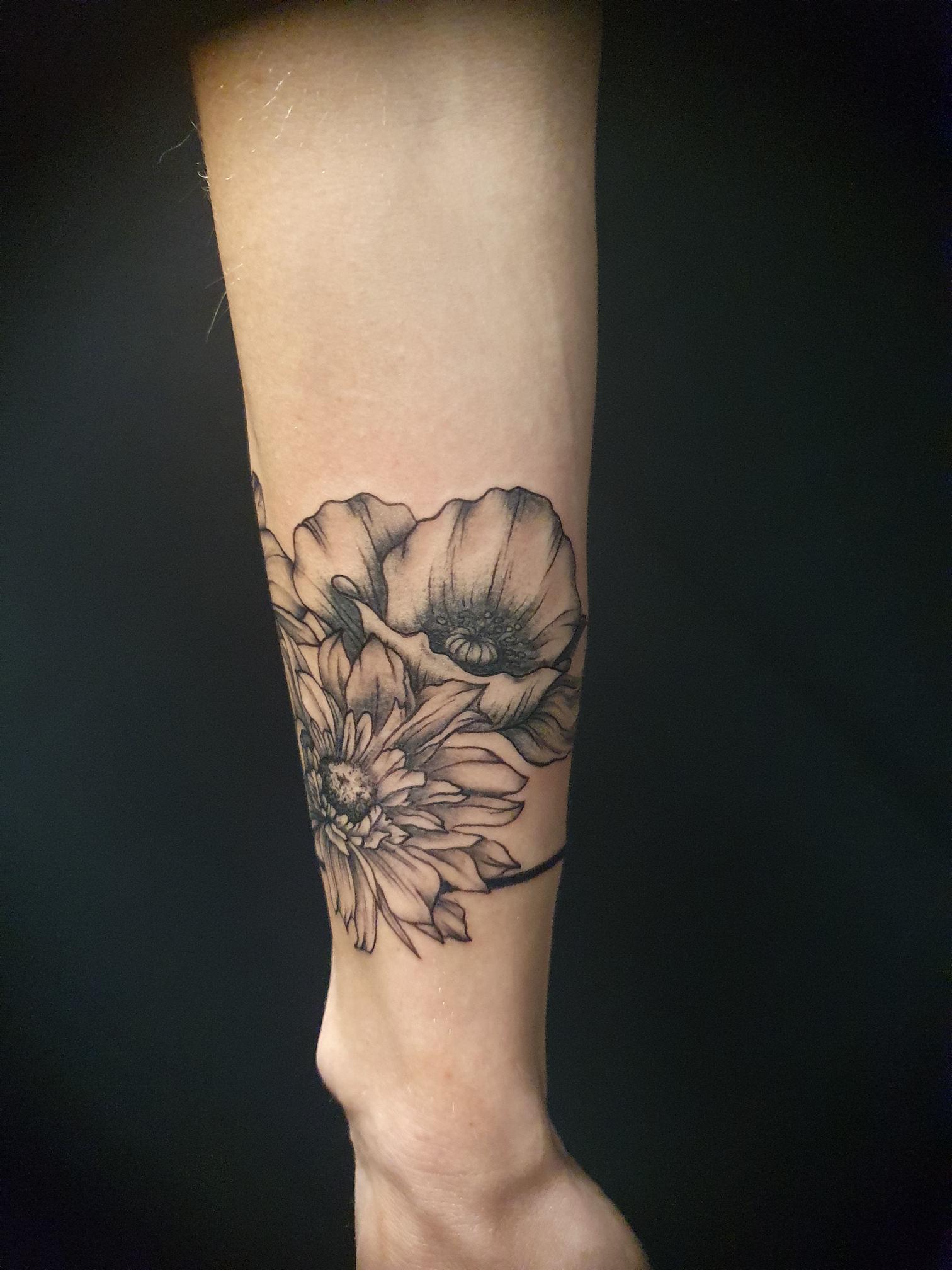 Tattoo Studio München ANANSI Melinda Blumen01